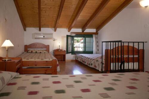 Υπνοδωμάτιο-επάνω όροφος